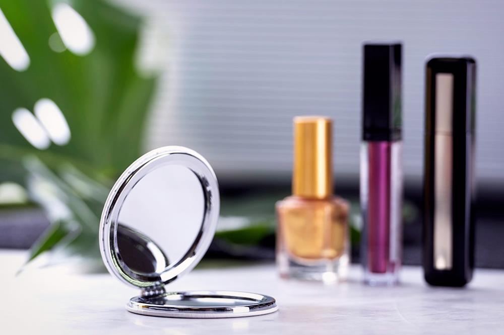 Specchietti da borsa con coperchio in finta pelle e metallo doppi