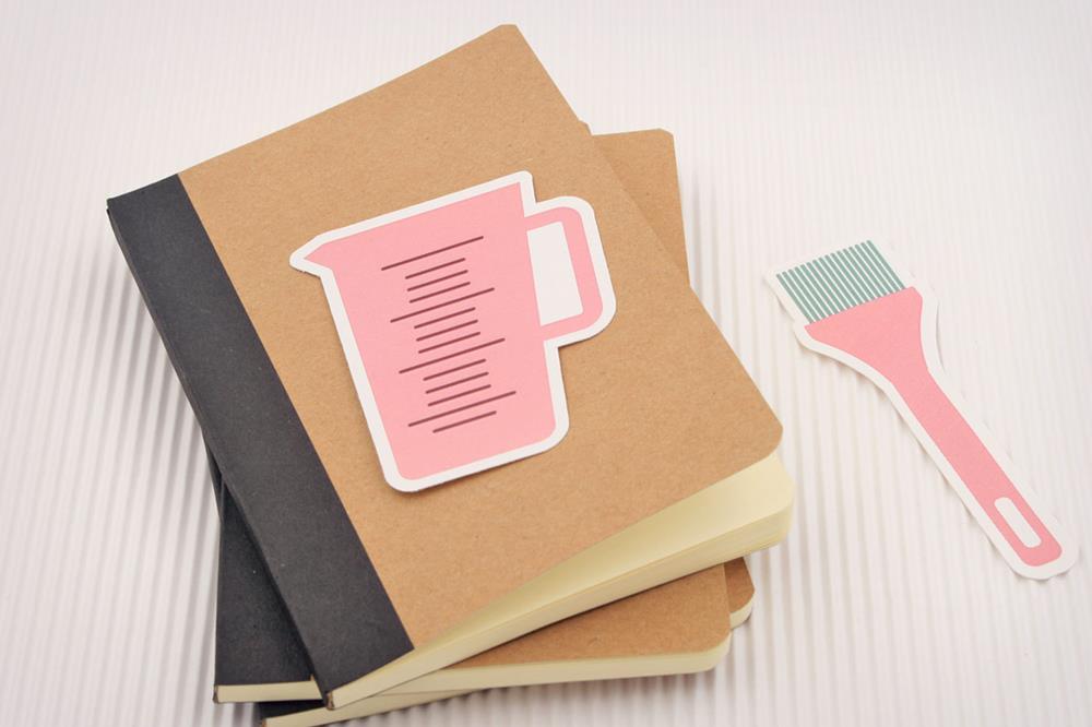 Étiquettes en papier avec forme personnalisée