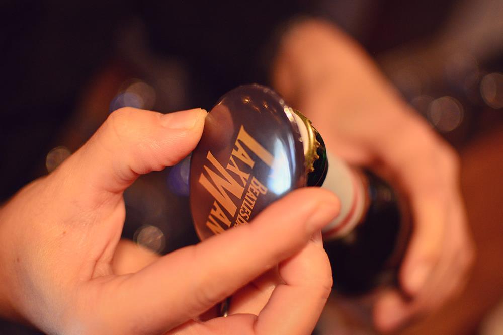 apribottiglie metallici con magnete ovali