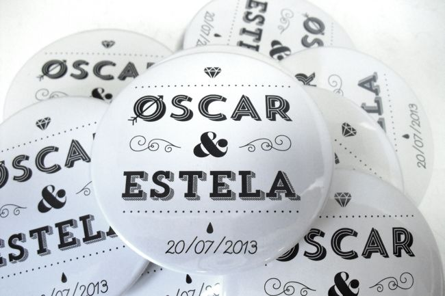 Imagen de Badges pour mariage: décidez-vous pour des badges personnalisés, un cadeau gagnant pour votre fête!