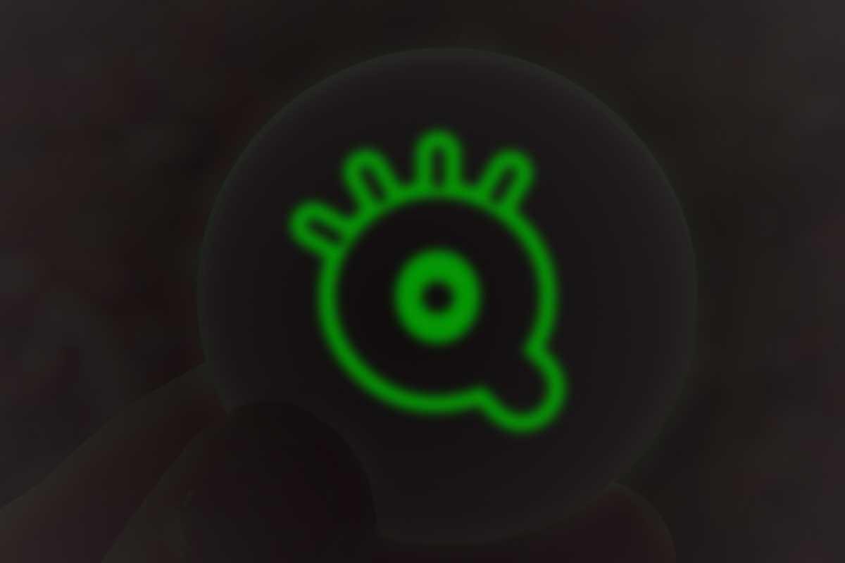 """Imagen de Desenho de crachás personalizados efeito """"brilha na escuridão"""" (luminescente)"""